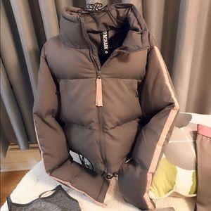 GYMSHARK Bundle. Coat, 2 Legging's & Sports Bra